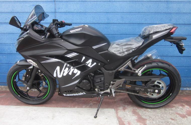 カワサキ・Ninja250 ABS KRT Winter Test Edition入荷いたしました!3
