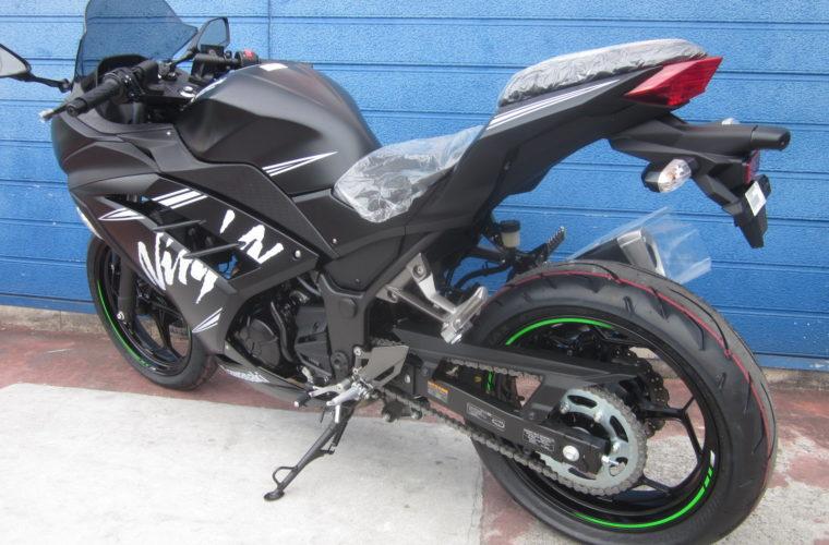 カワサキ・Ninja250 ABS KRT Winter Test Edition入荷いたしました!4
