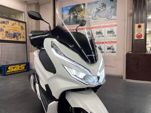 【カスタム新車】好評販売中のホンダPCX125!実用性の高い快適カスタムパッケージ販売中!7
