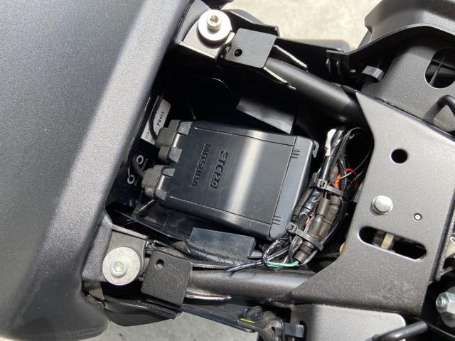 ホンダ・CB250R オプション多数装備のお買得中古車入荷致しました!4