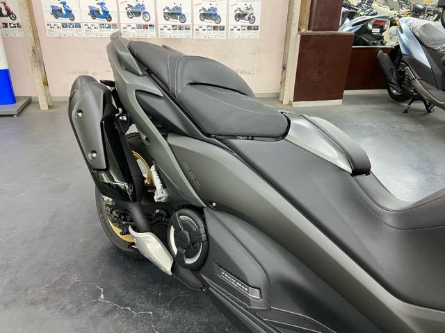 【ヤマハ】TMAXシリーズの新型機・TMAX560 TECHMAXをご紹介!4